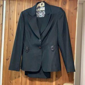 Tahari 2P suit set